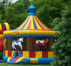 20′ Carousel Bounce House